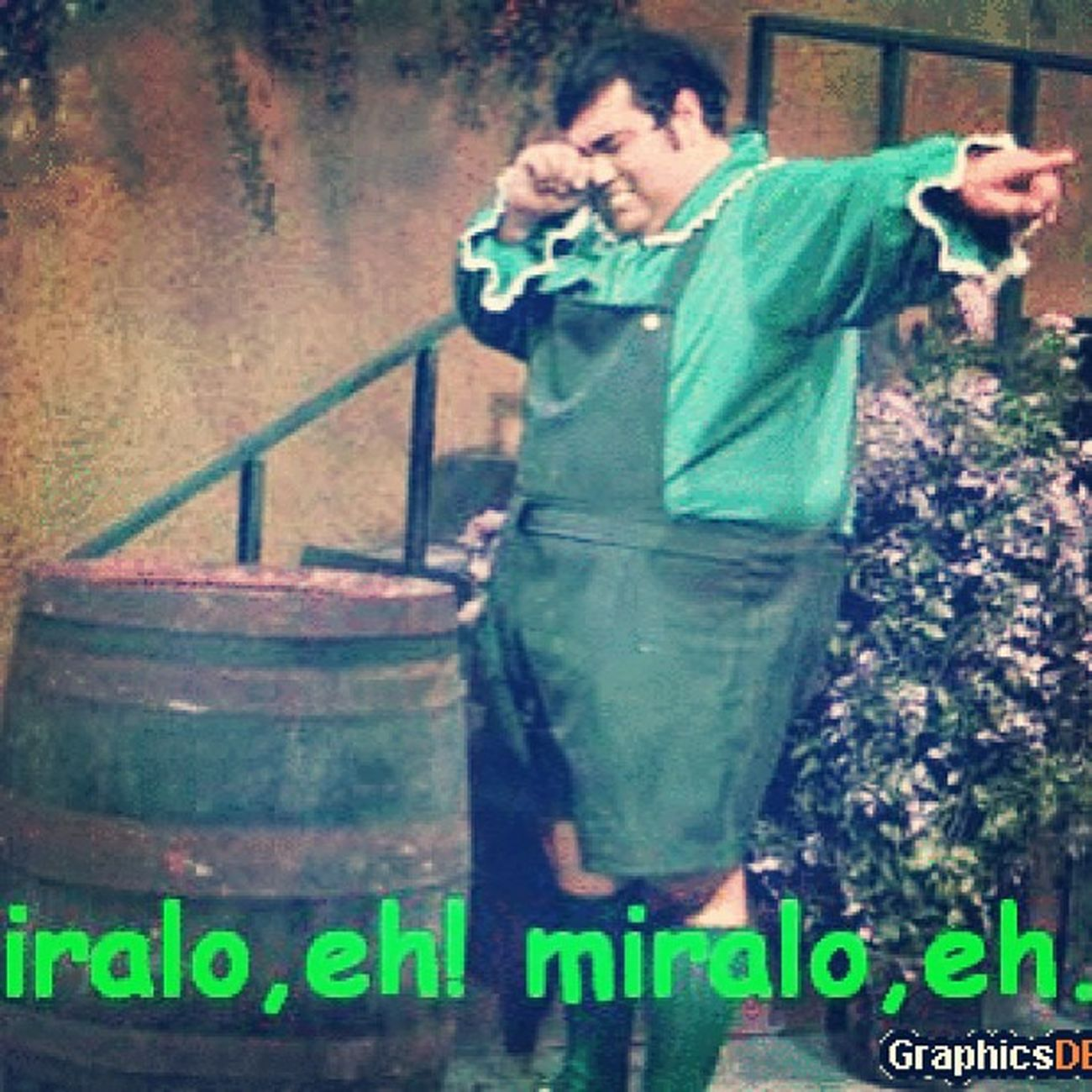 Elchavodelocho True Mexican If  youwatchthislolfunnyshitlol Miralo eh miralo eh miralo eh HAHAhHa :p