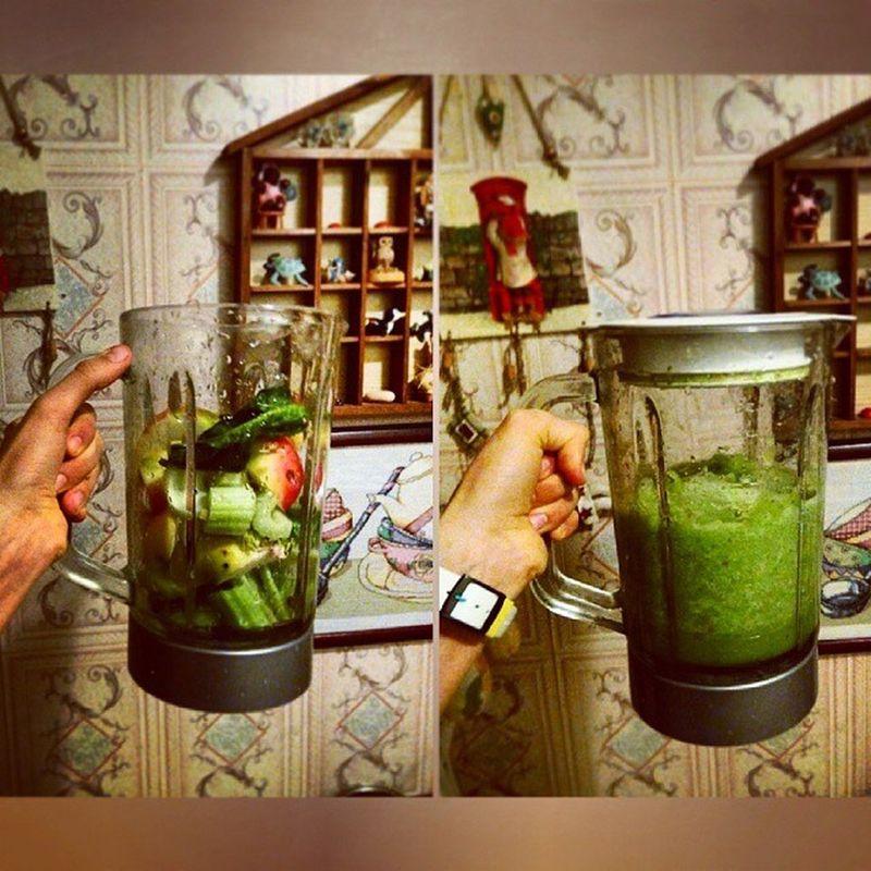 Смузи- это вкусно и полезно http://polinapalme.tumblr.com/post/100746566092 ????????????? Vegetarian Vegan Food морковь proteins useful carrots полезно eat vegetables веган еда greens gemüse