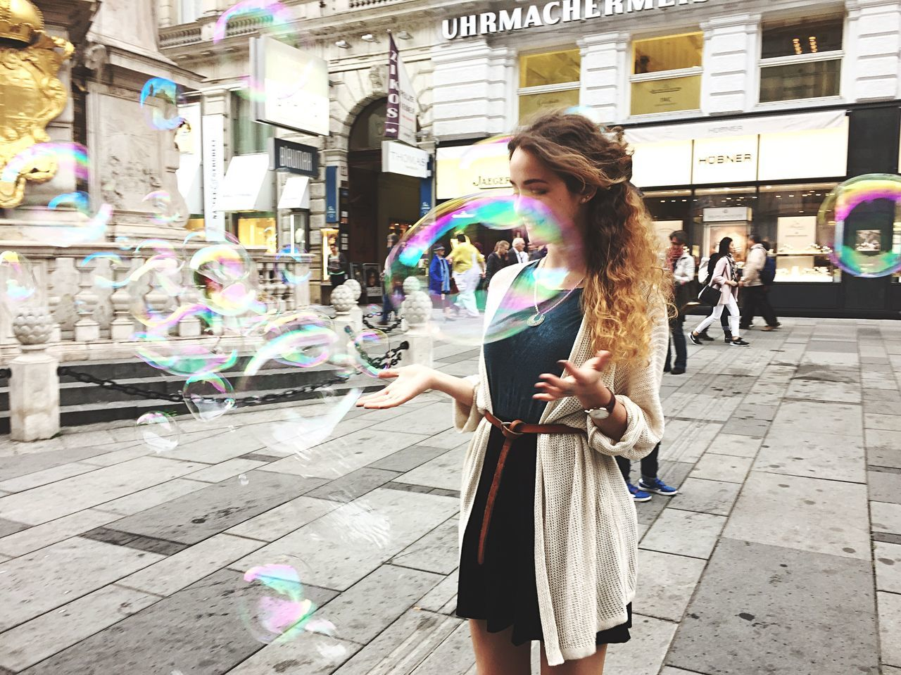 Soap Bubbles Bubbles Fun Happy Girl Capture The Moment