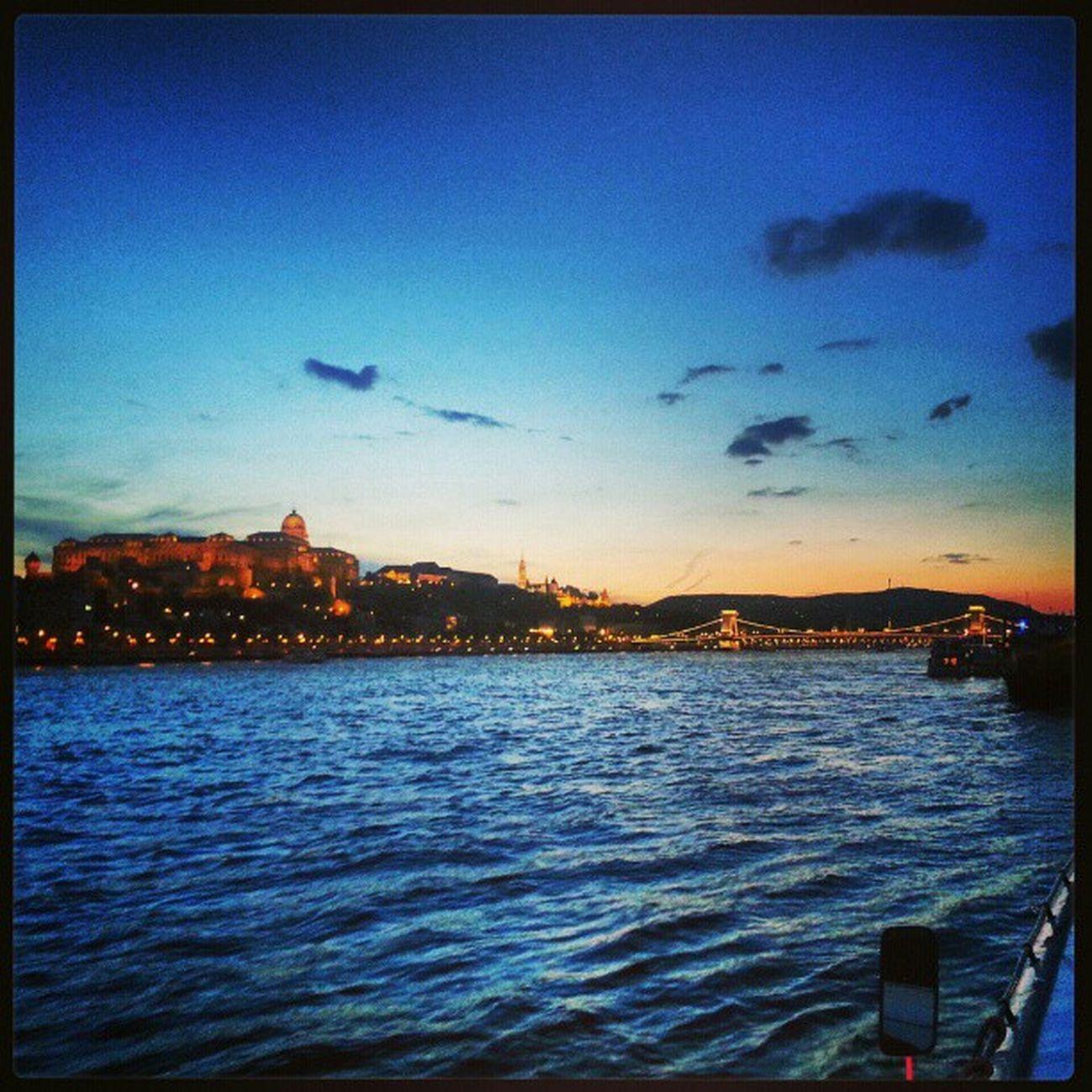 Budapeste vai deixar saudade.. Hungary Budapest Family 30trips .com travel travelers vacationexplorer