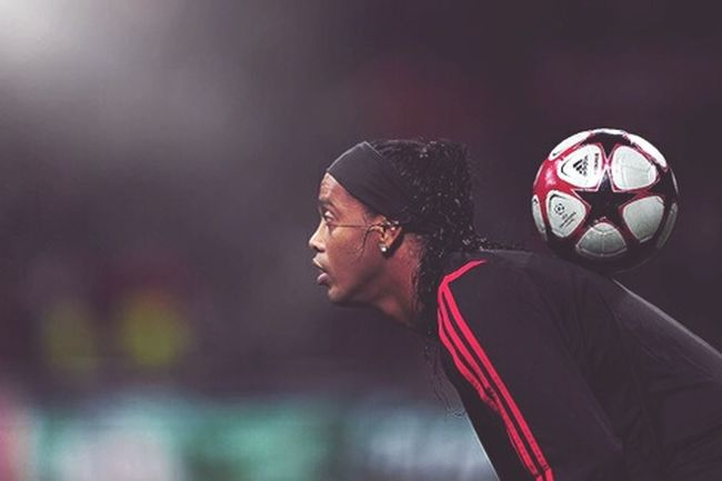 Ronaldinho  Milan SerieA Ronaldo De Assis Moreira Assist Man Footballplayer  Great