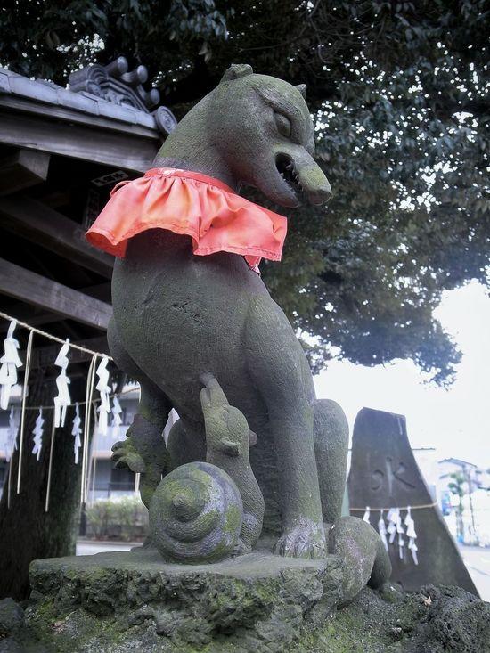 前に投稿した狛狐の角度違い写真。こちらも親子 キツネ。 Guardian Foxes Stone Statue Stone - Object 神社 稲荷神社 Japanese Shrine Japanese Culture Walking Around Taking Photos Enjoying Life From My Point Of View EyeEm Best Shots