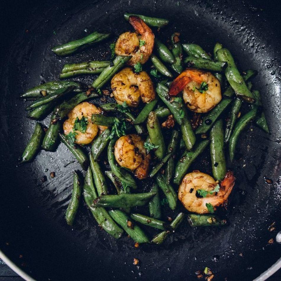 Butter pepper prawns and French beans a la @fayemonteiro Food Prawns Whatscooking Whatsfordinner Fujifilm Fuji Xe1