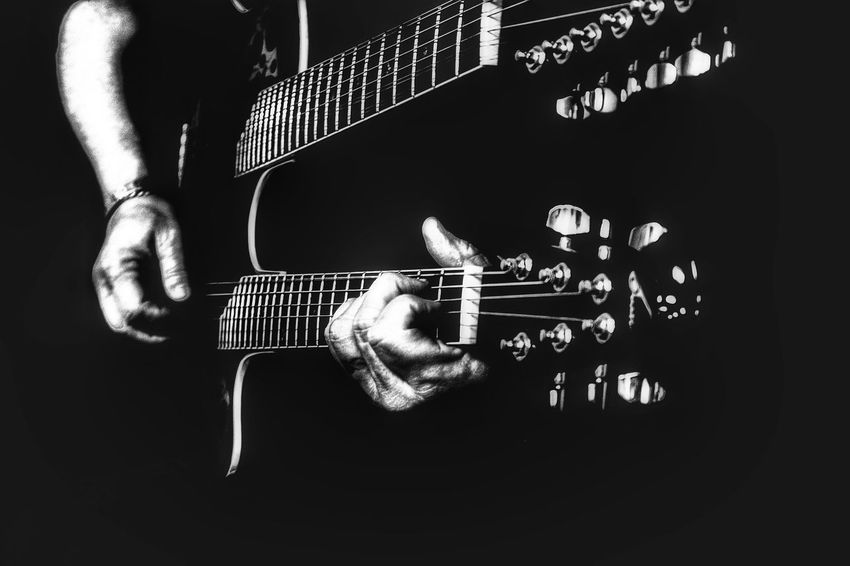 Guitar Strings Guitar Player Black And White Double Neck Guitar Rock'n'Roll Musician Guitar Music Black Background Selective Focus Playing Guitar