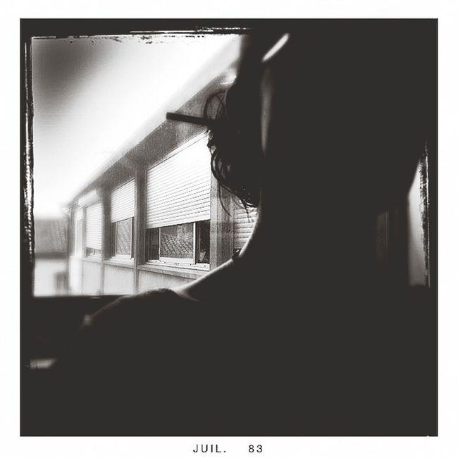 Par la fenêtre.... Bnw