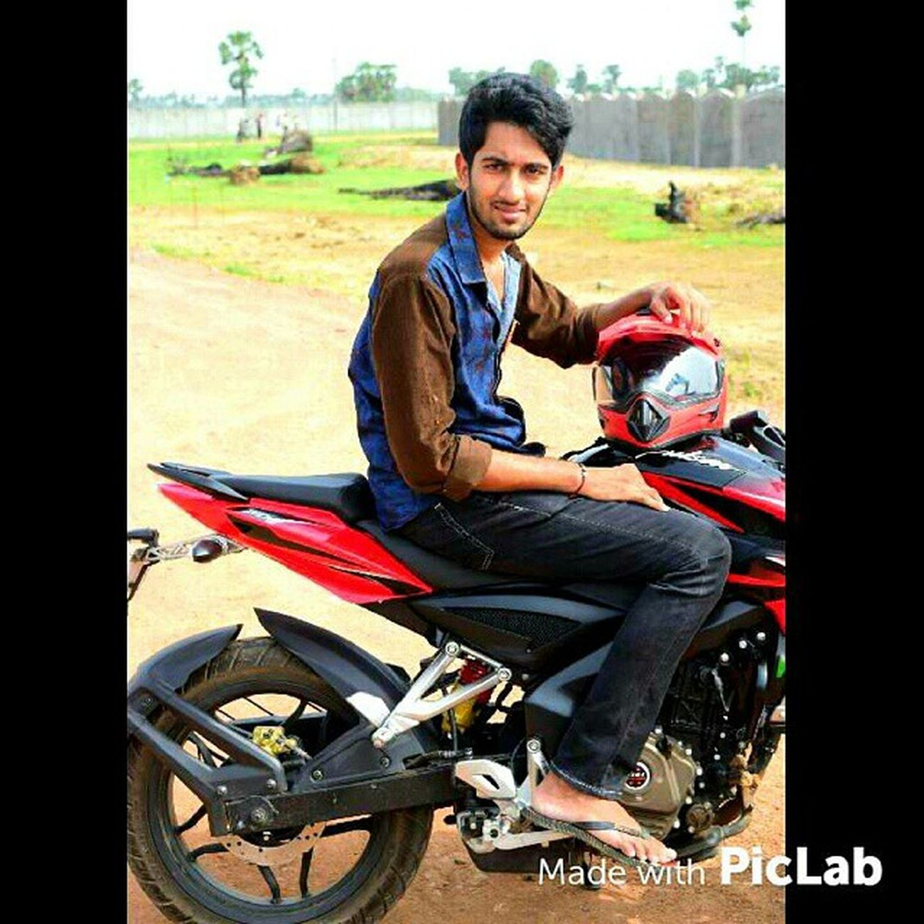 Friends Funny Photoshoot Photooftheday Pulsar200ns Smallbeast Piclab Edit Instapic Instagood Pic Credits: @manohartemper
