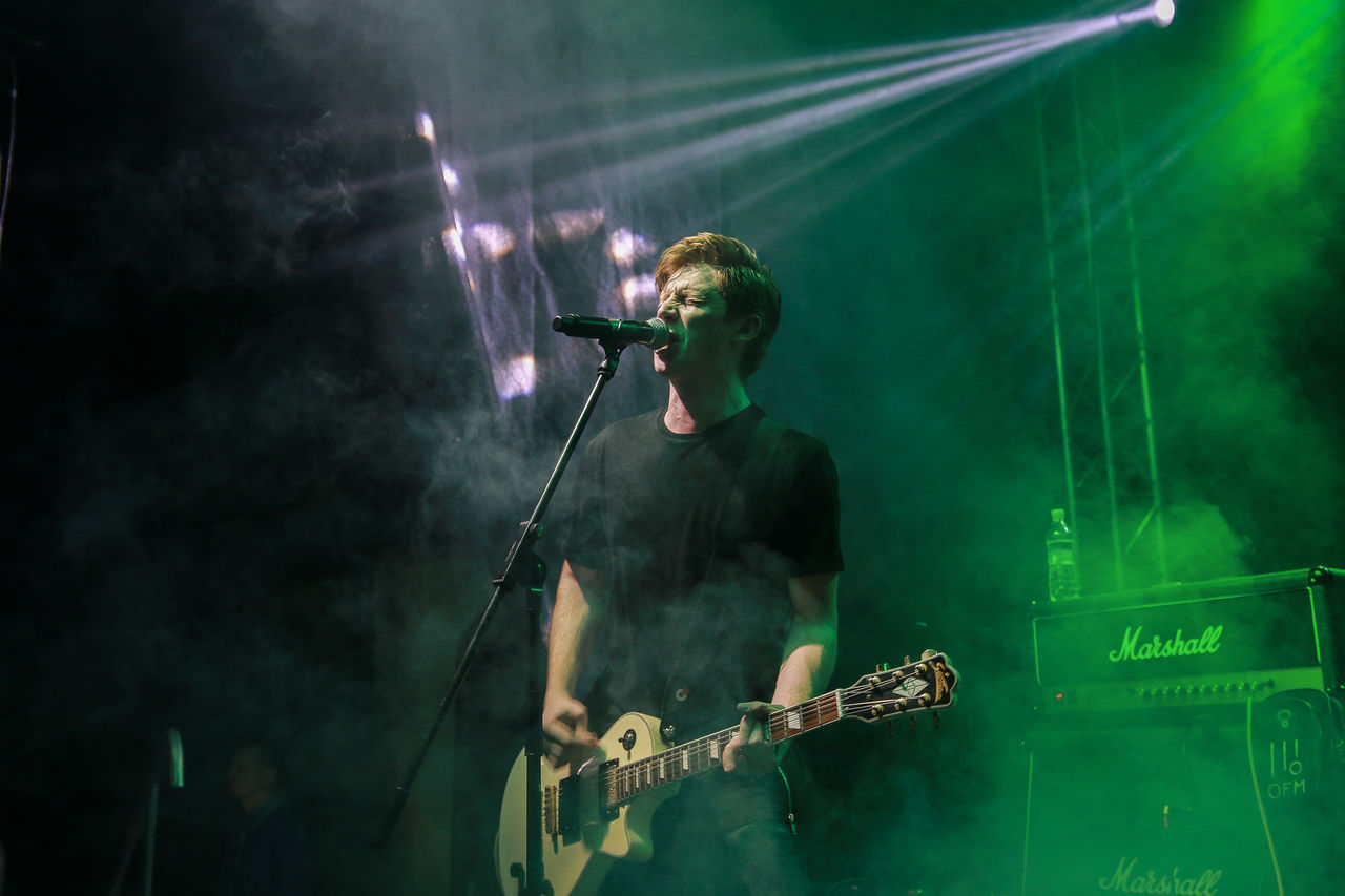 Amp Band Blink182 Chişinău Green Light Guitar Guitarist Illuminated Les Paul Marshall Night Photo Pop Punk Scream Smoke Vocalist