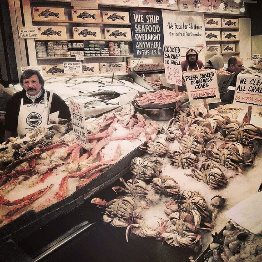 PikePlaceMarket Seattle PNW Upperleftusa washington seafood dungenesscrab alaskankingcrab shrimp crab fishmarket vendors portland sf vancouver chicago nyc urban cities architecture