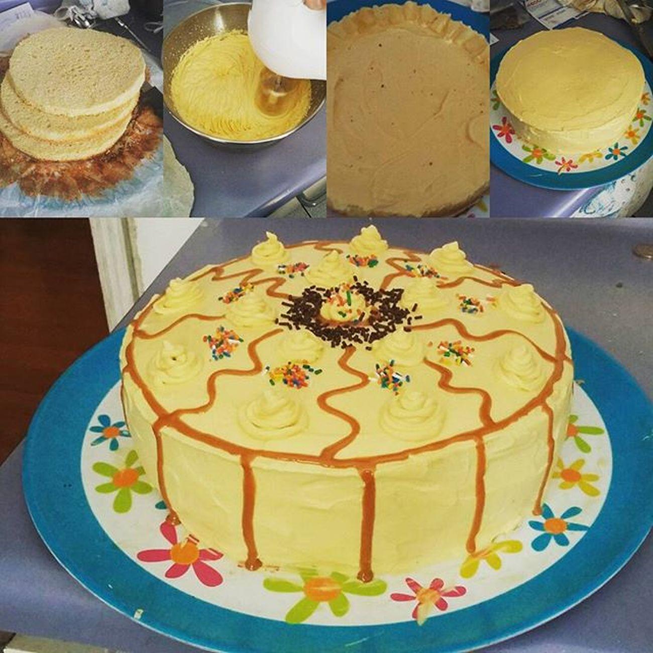 Todo un Master Chef, primera torta de la historia hecha con la Meta, realmente Un Manjaaarrrr Sin talento pero con ganas =) Masterchef Torta Cocinarencasa Lucuma Piña Manjar Unmanjar
