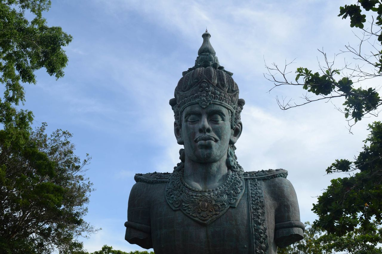 Beautiful stock photos of indonesia, statue, tree, religion, cloud - sky