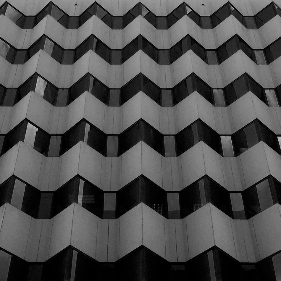 Thearchitect-2016-eyeemawards Built Structure Architectural Feature Blackandwhite Repetition Side By Side Architecture In A Row Squarecrop Minimimalist