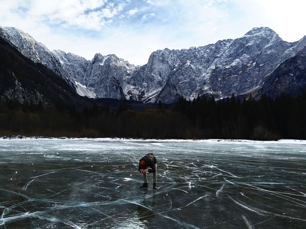 Ice Frozen Frozen Lake Frozen Nature Water Lake Winter Cold Temperature Cold Days Cold Winter ❄⛄ Fusine Italy Taking Photos Mountain Alps Stunning Stunning_shots Landscape Landscape_Collection Landscape_photography Mountians Mountian View Cold