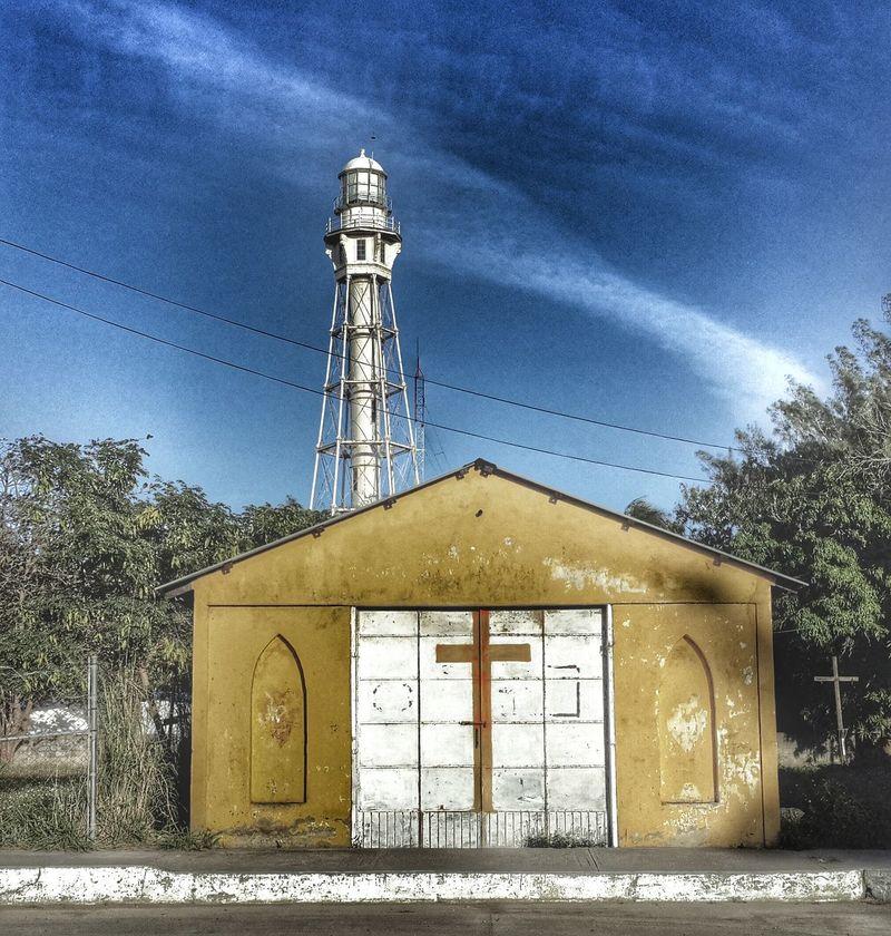 El Faro y su Capilla. Discovering Great Works Shootermag_mexico  AMPt_community Mobile Photography