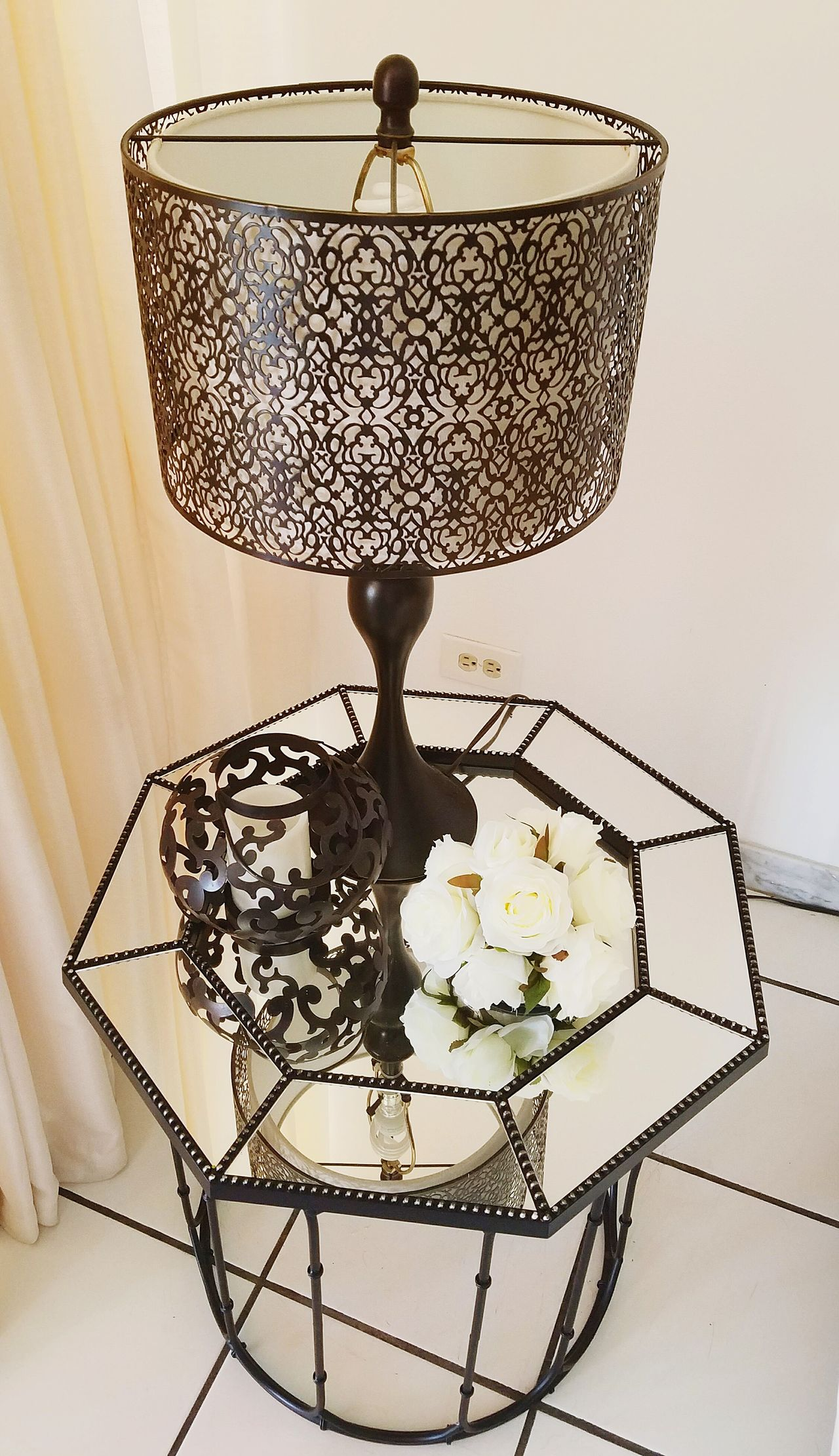 Table Mirrored Reflection Reflections Still Life Fine Art Photography Pattern, Texture, Shape And Form Decoration Details Beautiful Lamp Modern Style Perspective Lieblingsteil Minimalism Decoration Element Open Edit Light And Shadow Mirror Table Flowers White Flowers Black & White