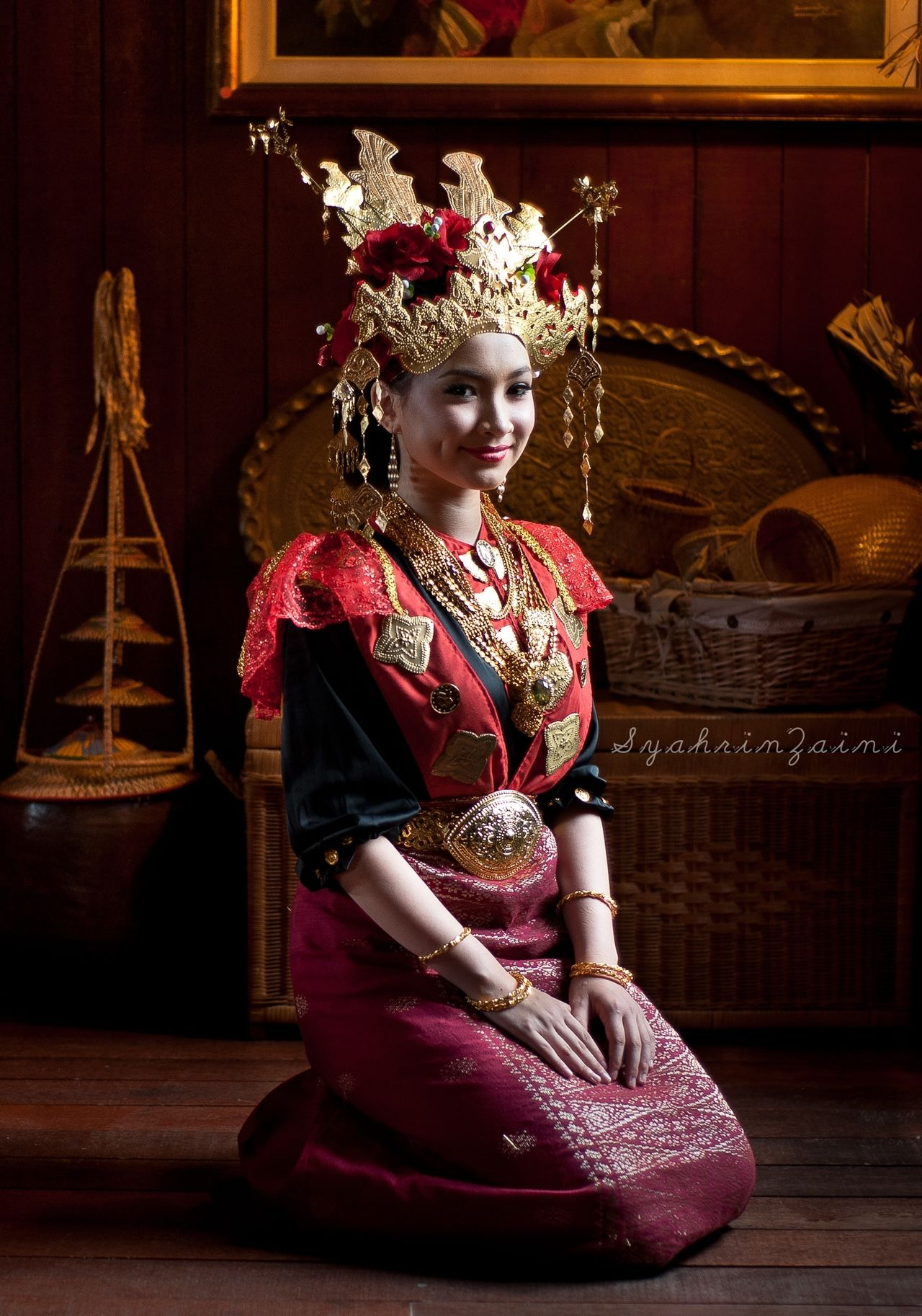 Only Women Beauty One Person Portrait Beautiful People Beautiful Woman One Woman Only Elégance Young Adult Headdress Sarawak Borneo Island Arts Culture And Entertainment Sarawak Culture Sarawak Malaysia Traditional Costume Traditional Clothing Malaysia Photography Traditional Culture Malaysianphotographer Melanau People