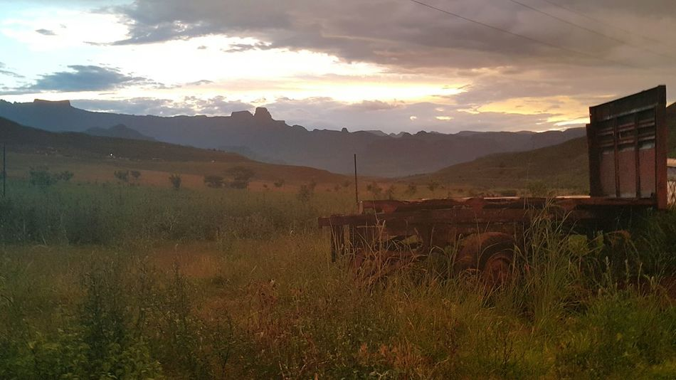 Sunset on a farm Drakensburg Sunset Eyeemphotography Summertime Relaxing Moments Beautiful World Favorite Places Beautiful Nature