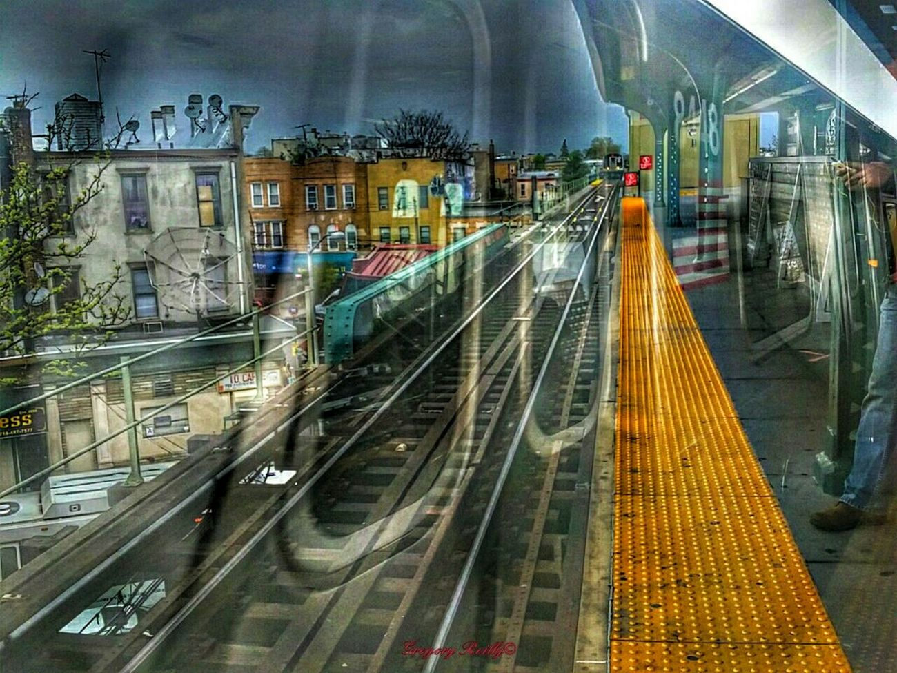 """""""SoManyFlowsRuleThisWholePlanet"""" Railroad Track Public Transportation Subway Station Subway Train Creative Light And Shadow Not Strange To Me Nycprimeshot Surreal_manipulation Abstracters_anonymous Sureal Art  Abstract Photography Sureal Art  Newyork Abstract_buff NYC"""