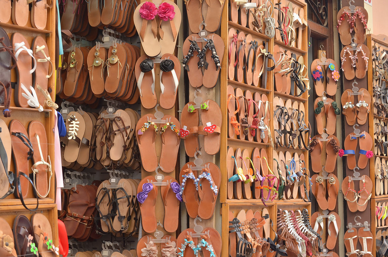 All kinds of Sandals Arrangement Everything In Its Place Footwear Pattern Pieces Shoe Showcase March Summer Sandals Vertical Symmetry Texture