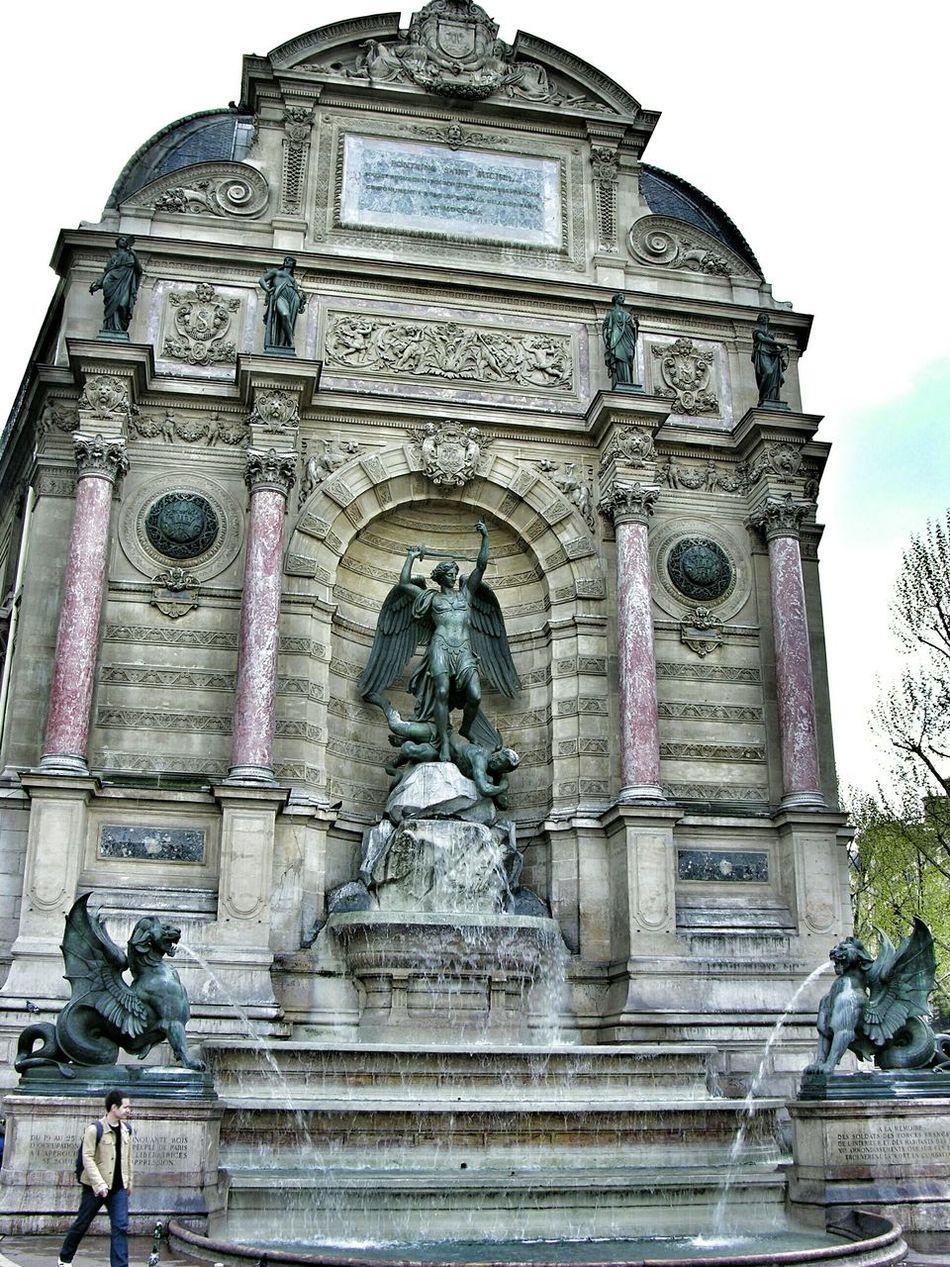 Postcards from Paris 28 = Fontaine Saint-Michel. Paris. Unykaphoto Paris Paris Citytour Postcards From Paris Fontaine Saint-Michel Paris
