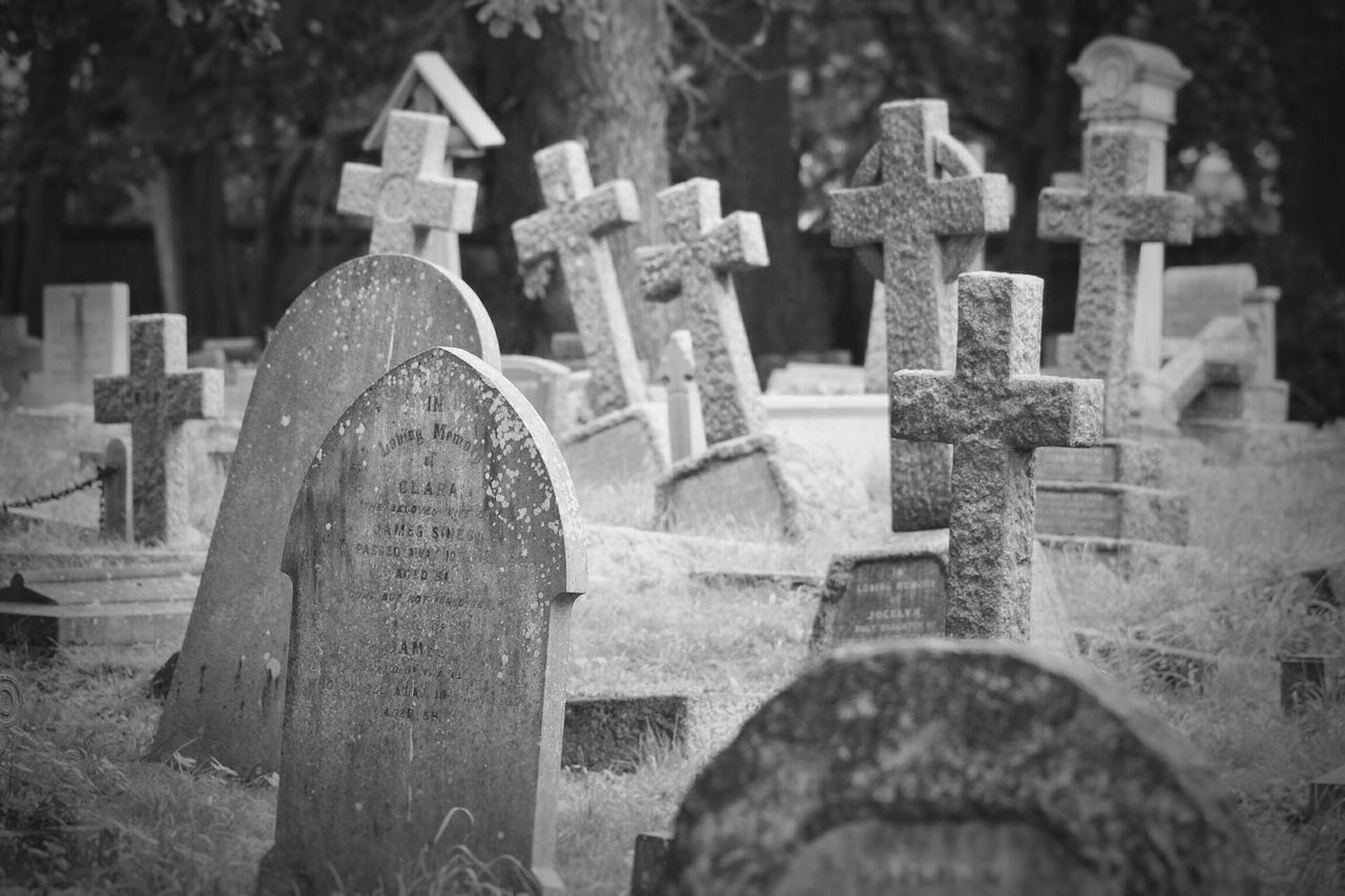Cemetery Tombstone Memorial Graveyard Cross Grave Sadness Gravestone The Past Churchyard Spirituality Close-up No People Cross Shape Religion Outdoors Grief Day War Memorial Black & White Creative Photography Graveyard Beauty Canonphotography Canon Burial Ground
