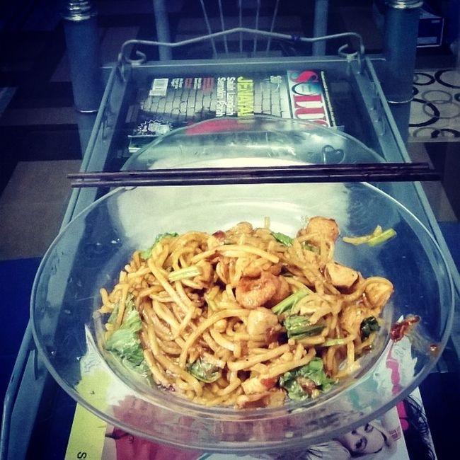 Bukan susah bila dah lapar, lenggang² masuk dapur. Nampak simple semua ada.