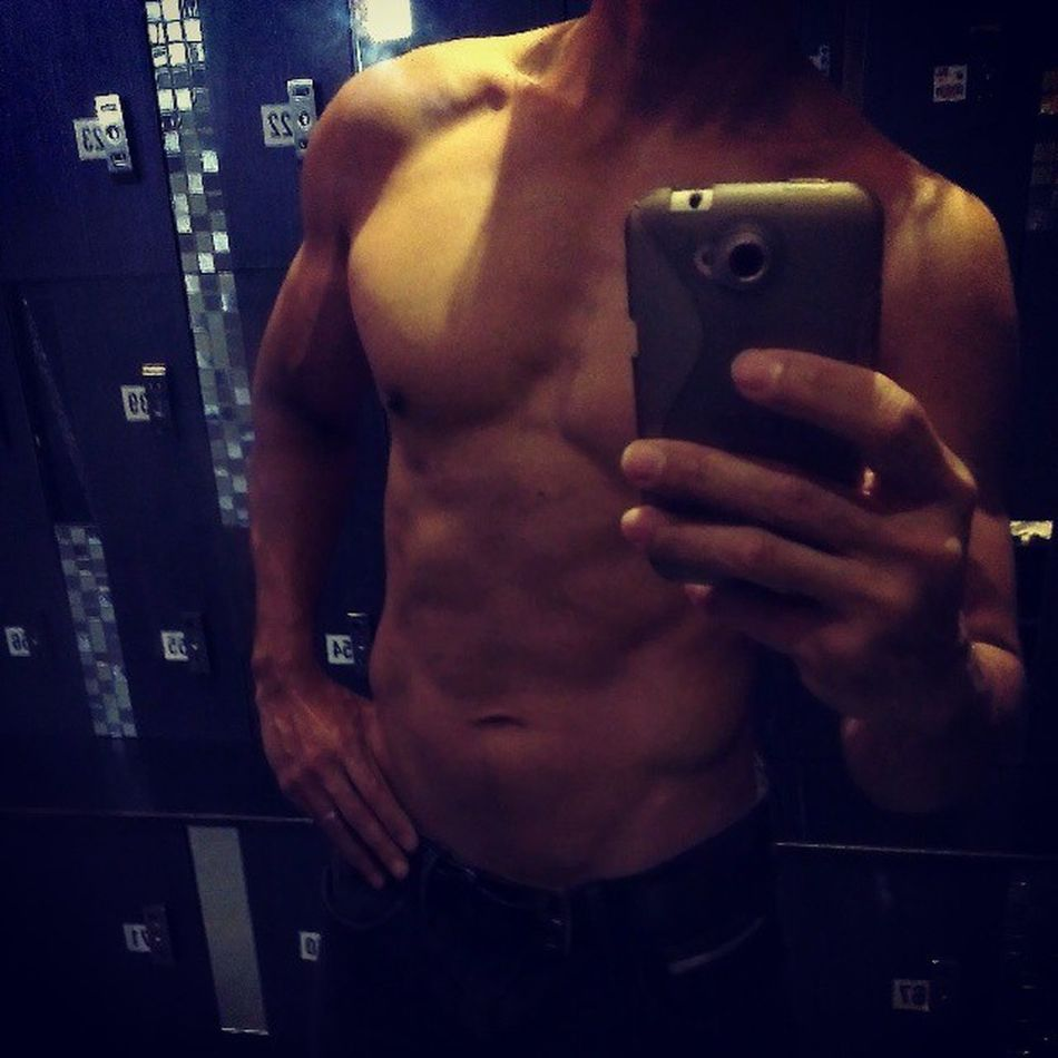 Poptarts abs for today. GymShit Abs Flexibledieting IIFYM I HEART carbs fitfam