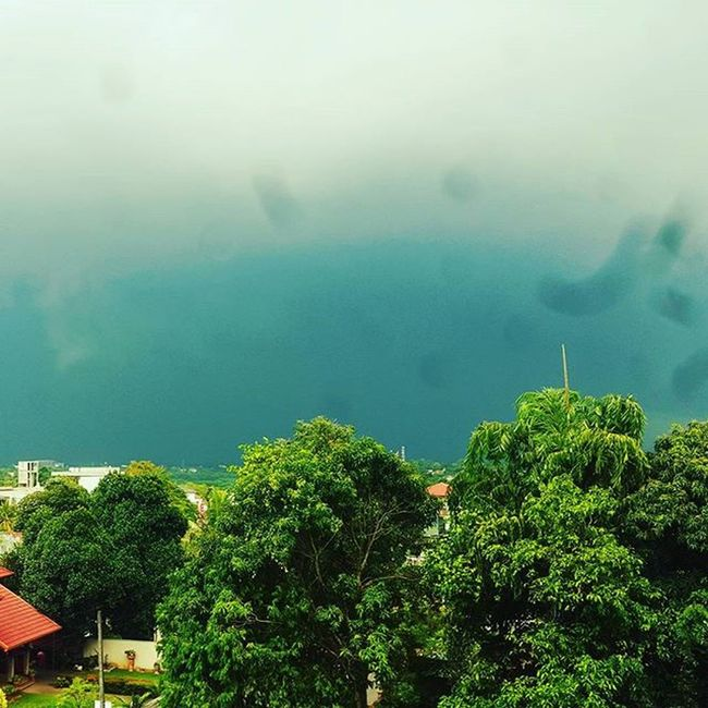 Colombosky Sky Beforetherain