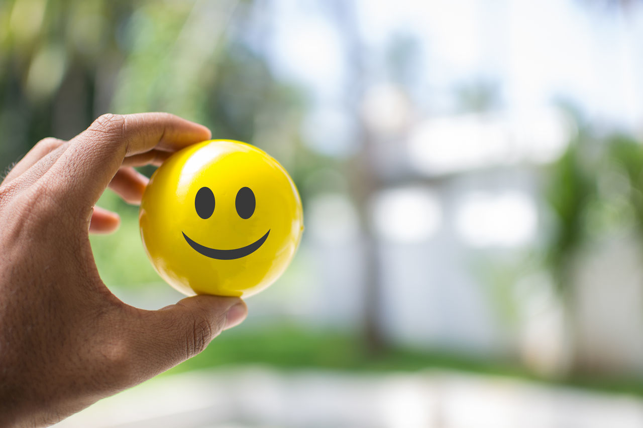 Be Happy And Smile Happiness Anthropomorphic Smiley Face Close-up Focus On Foreground Freshness Holding Outdoors People Positive Feelings