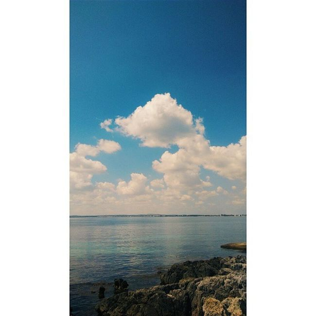 Clouds Cloudscape Reflections Onsea Bluesky Bluesea Nubes Reflejos Enelmar Azules Mallorca Igersbalears Igersmallorca Fotos_de_mallorca