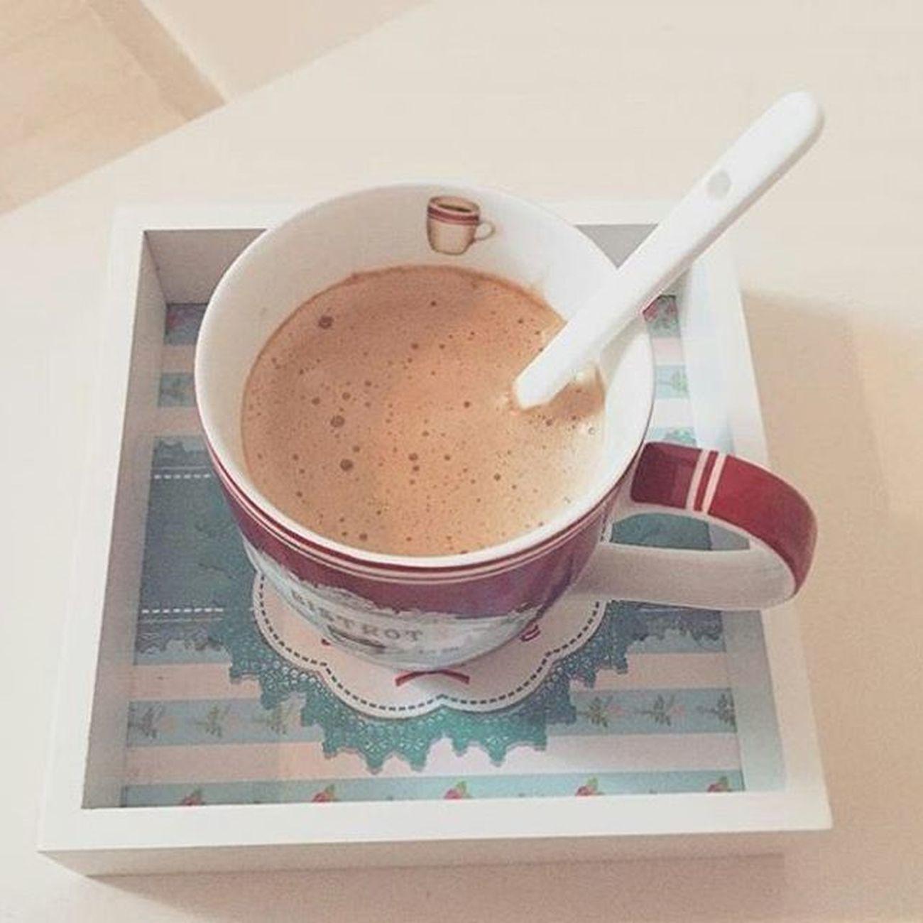 Bonjour Cafe Time Athome  Insta3roussamezyena Insta3roussa 😚 👰 💑 Instalovers Instagood Happppy Love préparation de mariage love