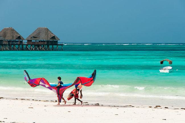 Spiaggia e Kite Beach Indian Ocean Kite Kitesurfing Lifestyles Men Pilework Sand Sea Vacations Water Zanzibar Showcase April