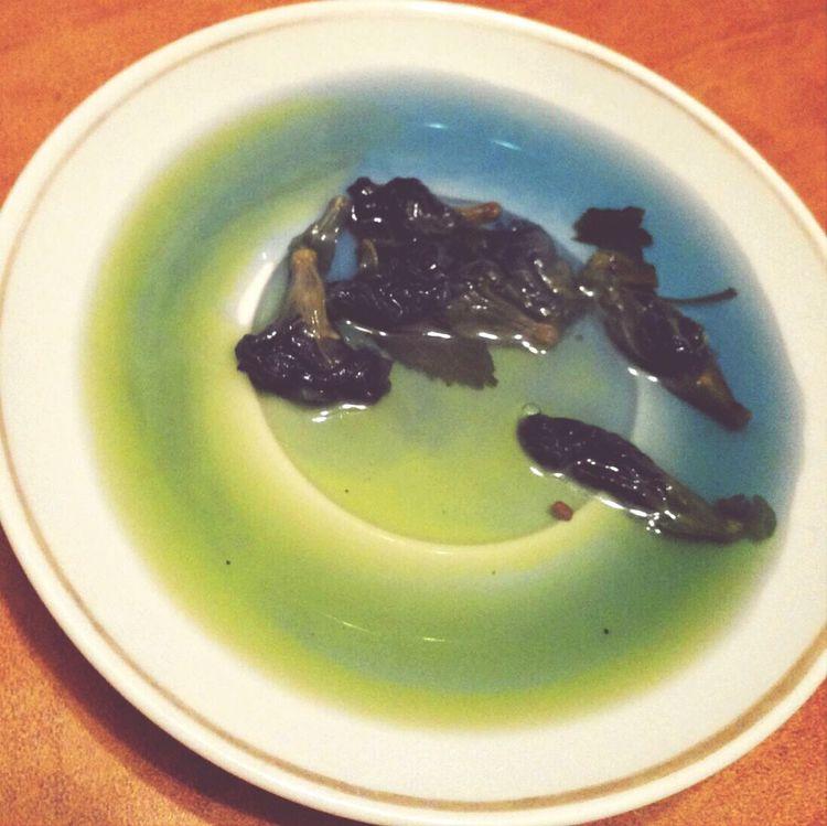 зелено синий чай.