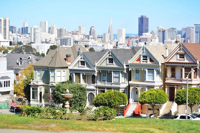 Painted ladies Sanfrancisco Beautiful Enjoying The Sights Traveling Eye4photography  EyeEmBestPics Awesome Architecture Architecture