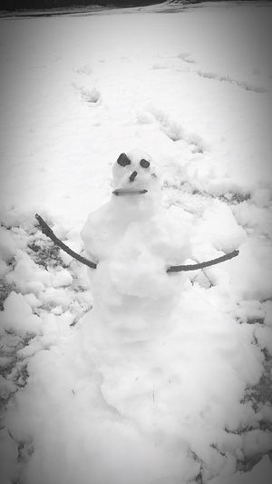 When I try to build a snowman and I Failed.... Fail Failday Failure  Lol :) I Tryed I Tried Snowman Snowman⛄ Winter Bad Picture Enjoying Life With My Sister  Not My Idea LOL! Bad Horrible Horrible Selfie Golf Course