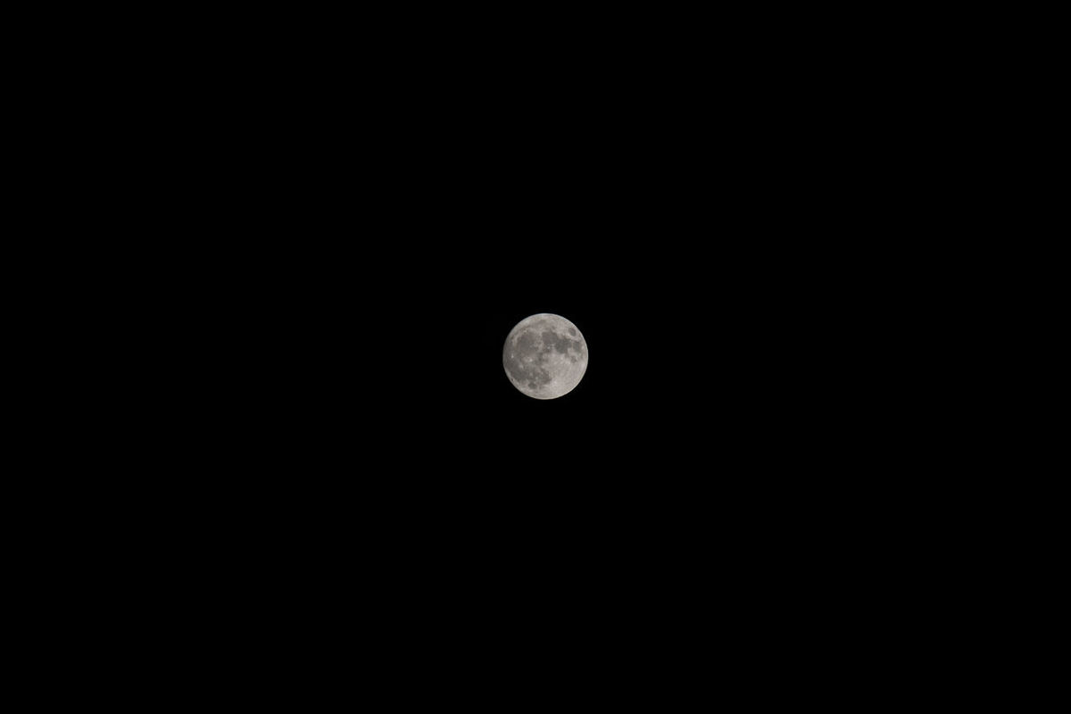 A full moon, as seen from Grand Rapids, Michigan. Astronomy Celestial Clear Sky Copy Space Crater Full Moon Full Moon Luna Lunar Moon Moon Moon Surface Moonlight Nature Night Nightphotography No People Outdoors Planetary Moon Scenics Science Sky Space Sphere Tranquility