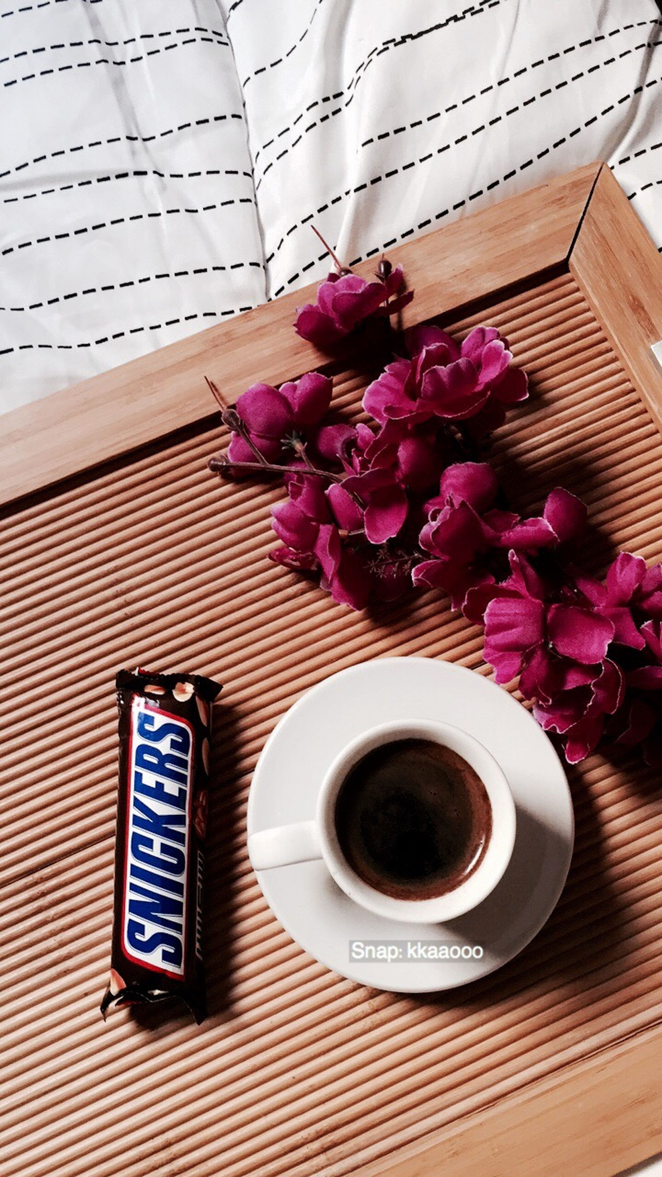 flower, still life, coffee cup, freshness, coffee - drink, drink, no people, high angle view, food and drink, flower head, close-up, refreshment, indoors, fragility, nature, day, latte