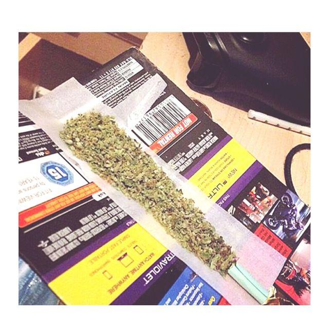 Enjoying Life Smoking Weed Smocking Smockeweedeveryday