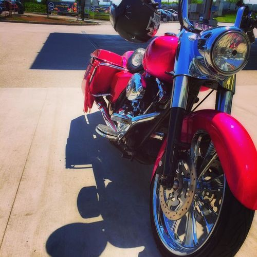 Baggerstyle Close-up Day Harleydavidson Land Vehicle Mode Of Transport Motorcycle No People Outdoors Pink Color Scooter Stationary Street Transportation