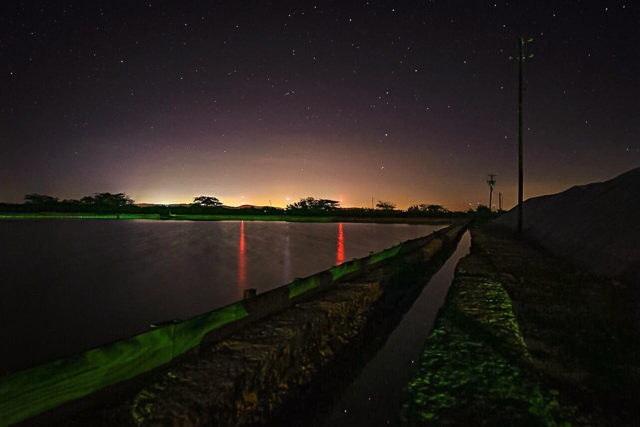 De día es un paraíso, de noche todo un espectáculo. Las Salinas de Cabo Rojo ✨ Night Sky Photography Star - Space Astronomy Water Reflection Outdoors Star Field No People Illuminated Beauty In Nature Space Exploration Water Reflections Puerto Rico Island Life Long Exposure Adapted To The City Nightphotography Ursa Major Stargazing Welcome To Black