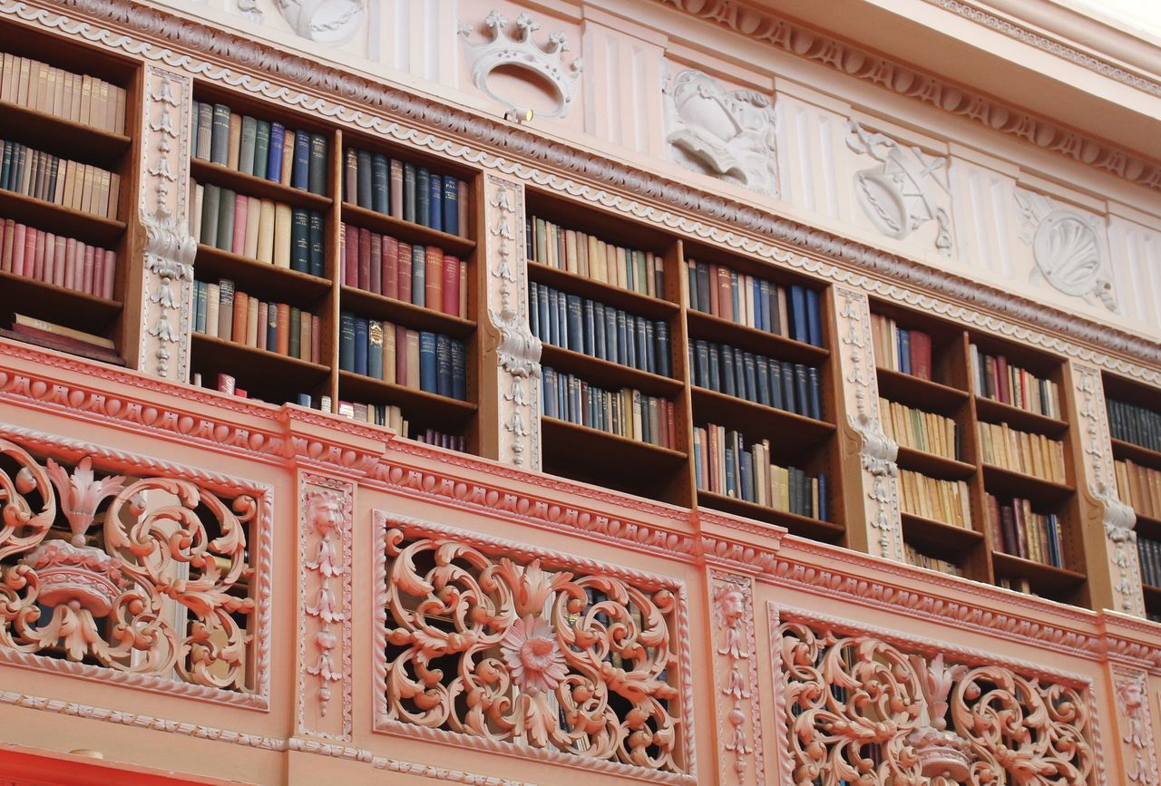 Library Old Buildings Historical Building Nopeople Books Oldbooks Collectibles Assortment Tidy Indoors  The Architect - 2015 EyeEm Awards Shelves Bookcase Architecture Beautifully Organized