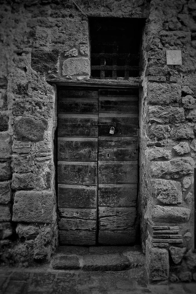 Unlock the old door and..... listen Blackandwhite Monochrome Bw_collection Bw_lover NEM Black&white TheMinimals (less Edit Juxt Photography) Streetphoto_bw Blackandwhite Photography Black And White Fortheloveofblackandwhite