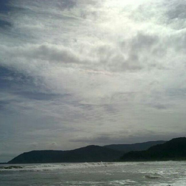 Good morning! Happy Independence Day to all Pinoys. Travel Globalnomads Philippines Gf_philippines beach clouds baler