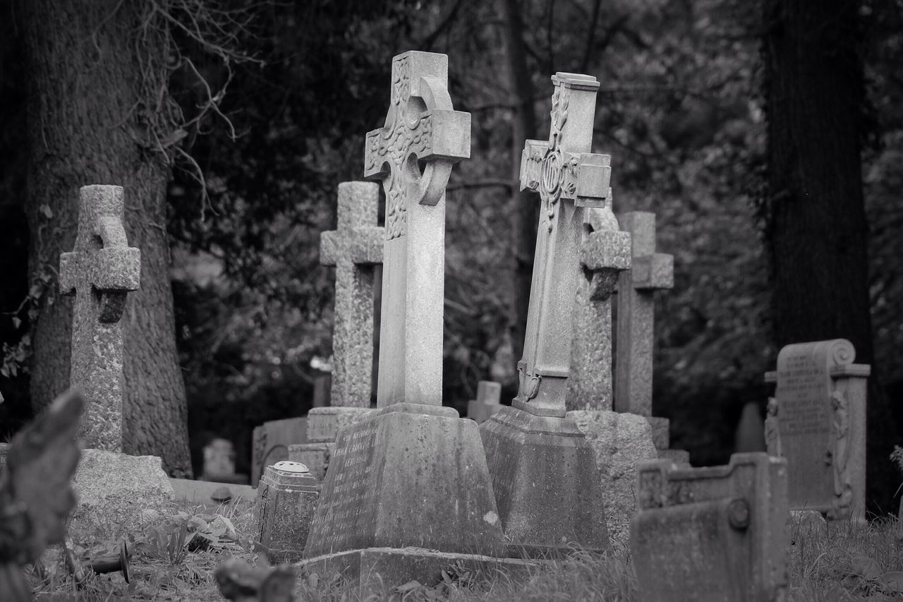 No Property No People Cemetery Tombstone Grave Outdoors Day Churchyard South West London Burial Ground Canonphotography Graveyard Beauty Creative Photography Black & White Graveyard Canon