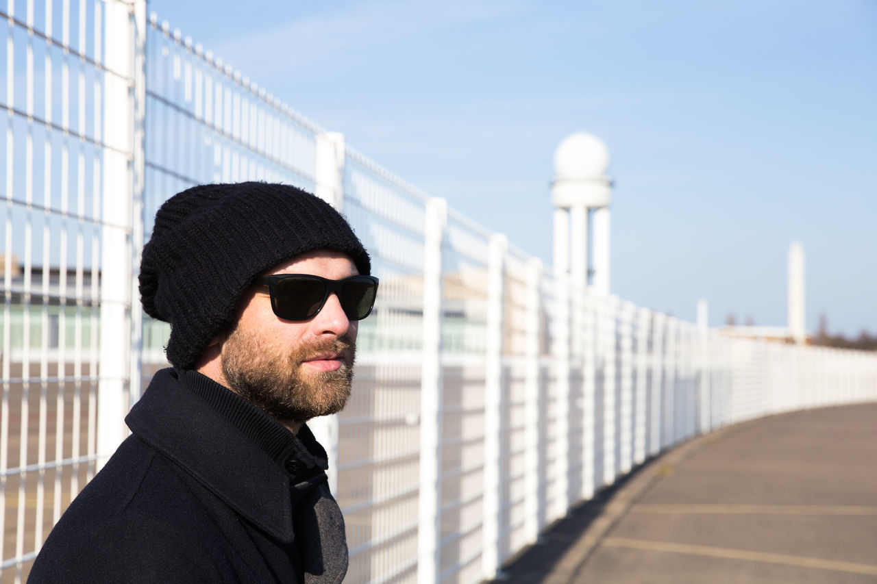 Beautiful stock photos of bart, 35-39 Years, Airport, Architecture, Beard