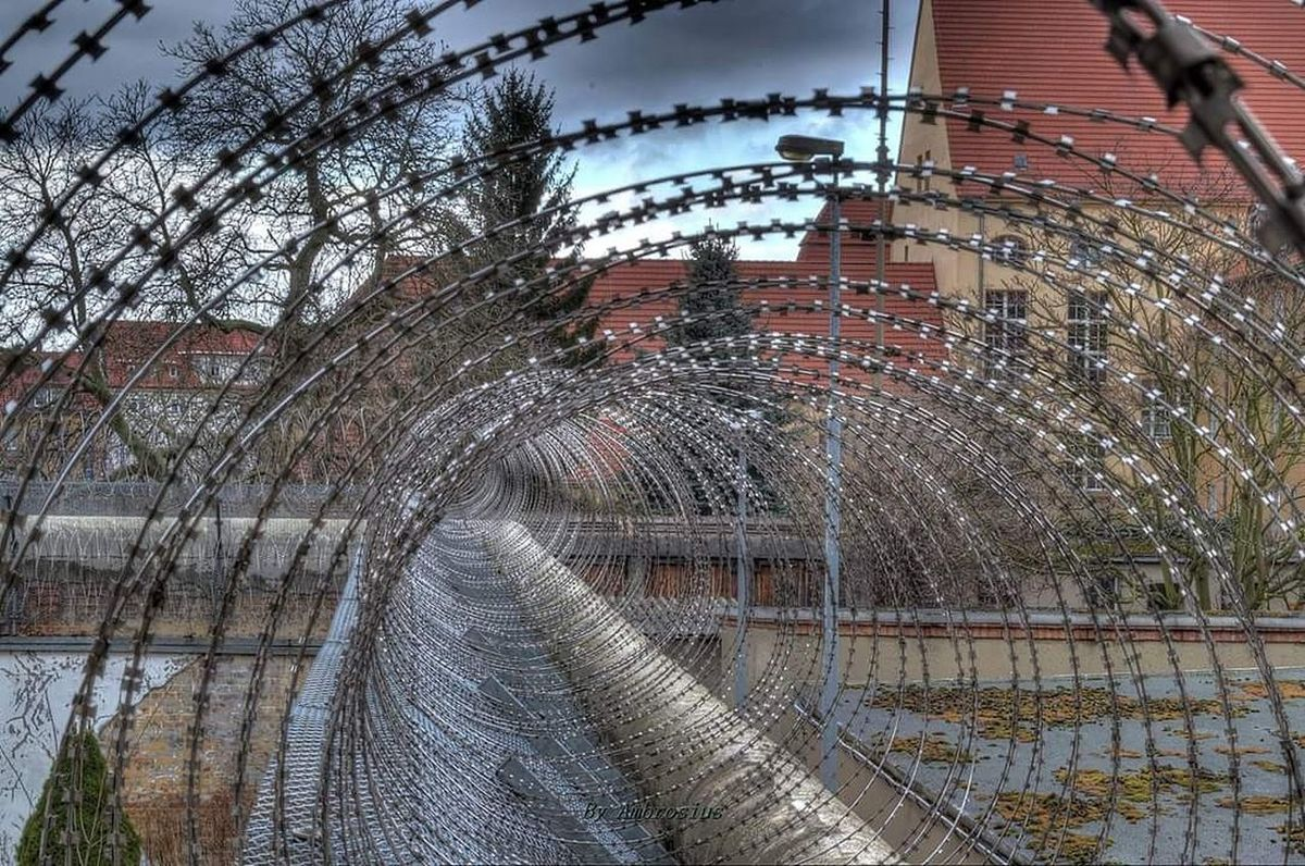 Low Angle View Makro Spiral Fence Pattern Point Of View Pointofview