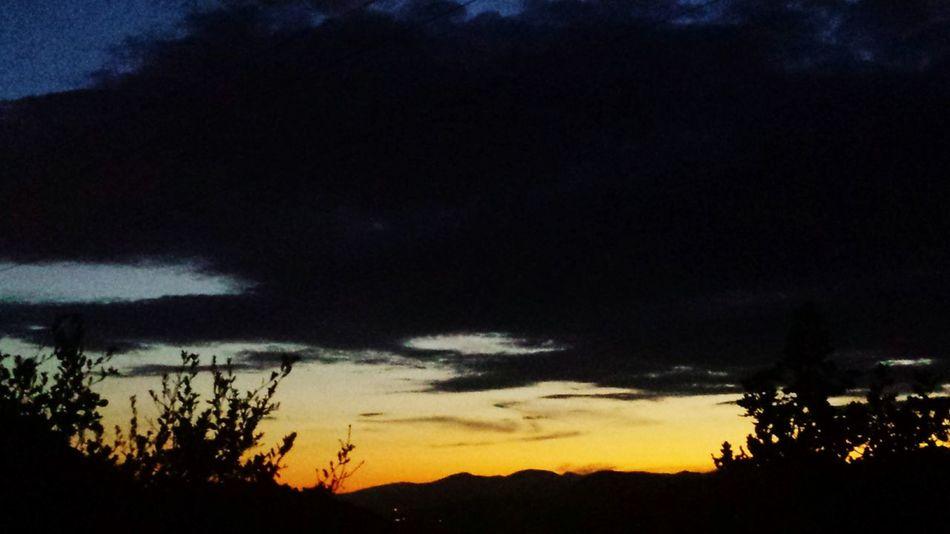 Sur les hauteurs Taking Photos Colours Nightphotography Sky_collection Skylove