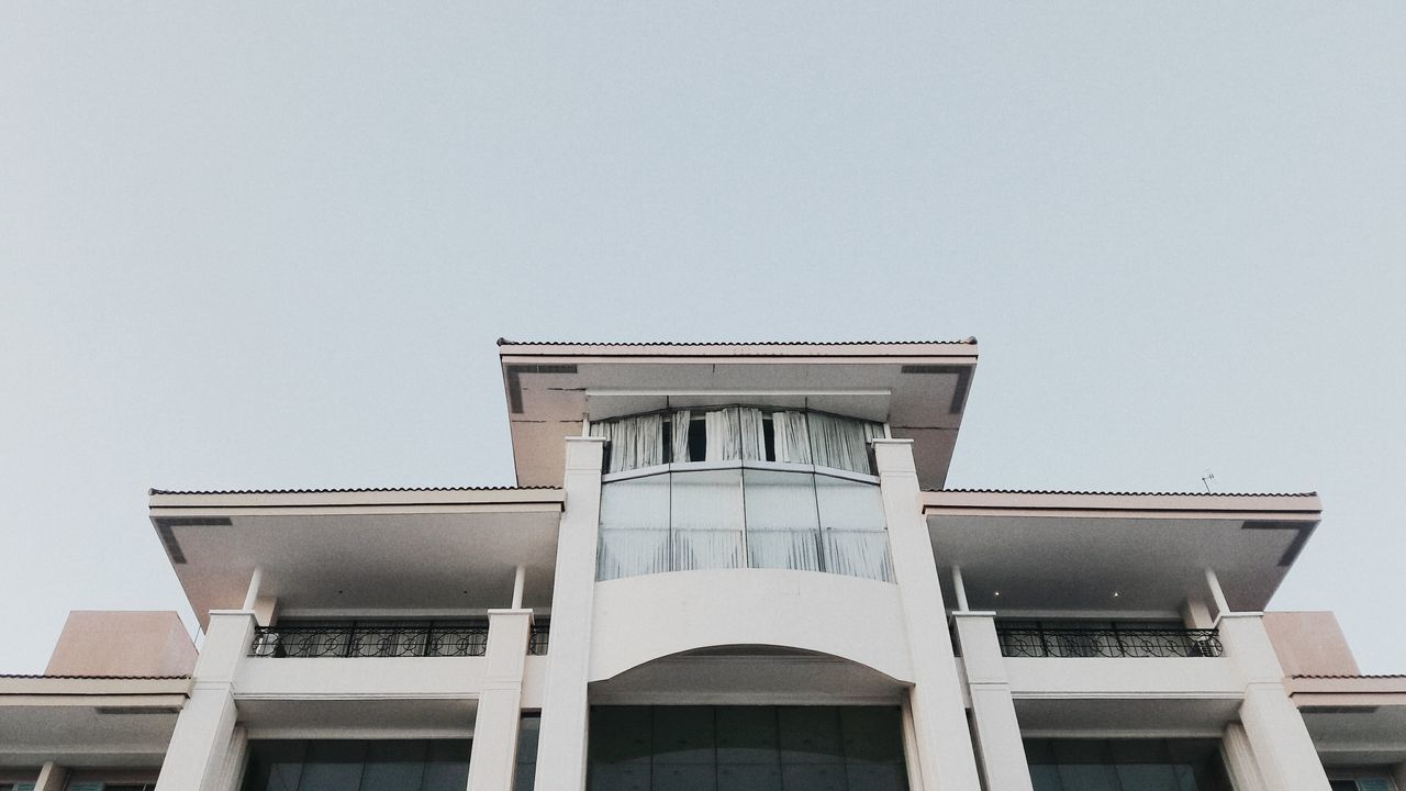 architecture, building exterior, built structure, copy space, low angle view, no people, clear sky, outdoors, day, sky