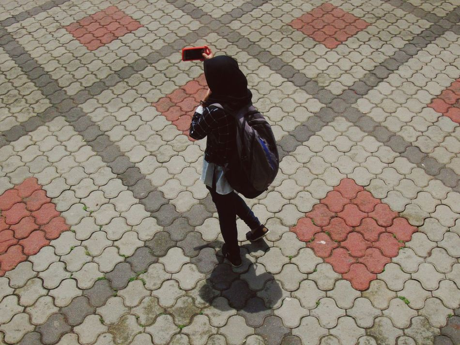 One Person Full Length One Woman Only Outdoors Selfie Taking Photos Taking Pictures Taking Selfies Burqa Jilbab Jilbab Traveler Mobile Conversations