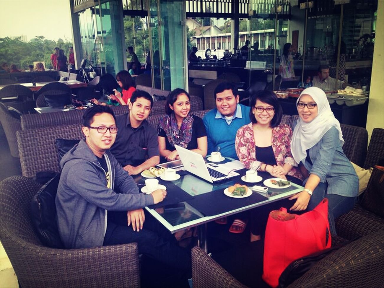 tea time with team of Medina Latepost Meeting Friends