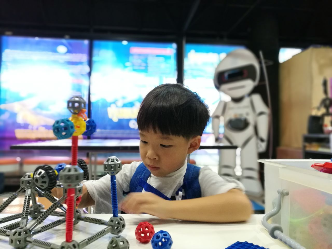 Science Learning Business Finance And Industry Headshot Front View Education Indoors  Scientific Experiment Boys Concentration Work Tool Laboratory Discovery Working People Childhood One Person Student Industry Children Only Maker Startup Kid Clever Learn